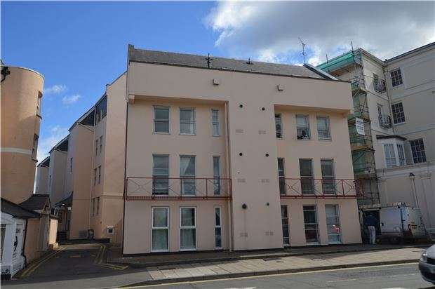 2 Bedrooms Flat for sale in High Street, CHELTENHAM, Gloucestershire, GL52 6DA