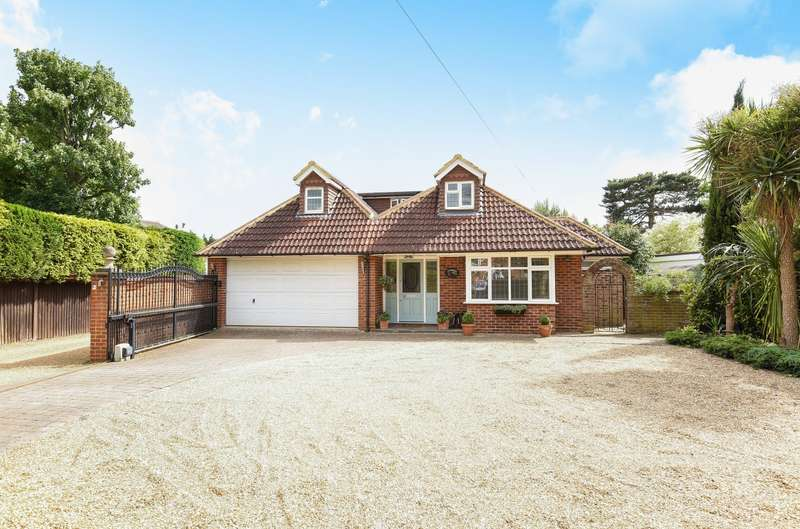 5 Bedrooms Detached House for sale in Hersham