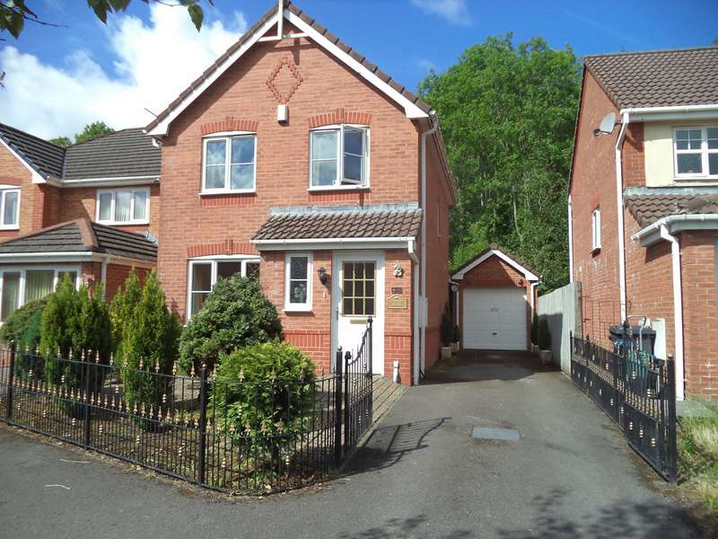 3 Bedrooms Detached House for sale in Victoria Avenue, Victoria, Ebbw Vale, NP23