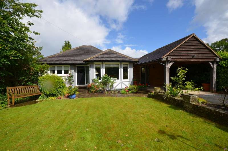 3 Bedrooms Detached Bungalow for sale in Boundstone Road, Wrecclesham