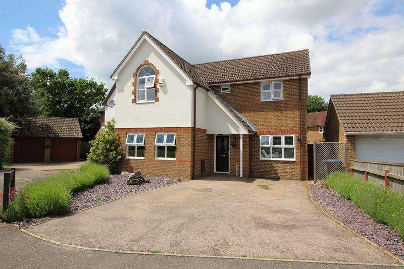 4 Bedrooms Detached House for sale in CATERHAM ON THE HILL