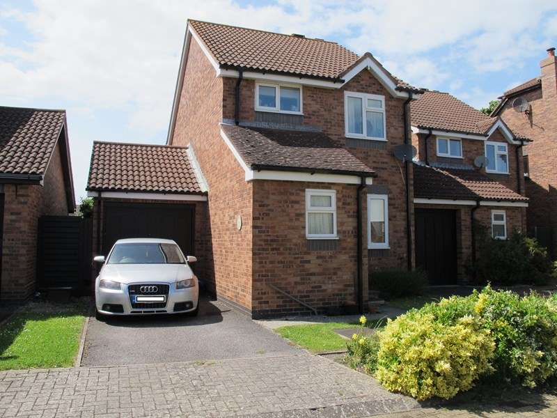 3 Bedrooms Link Detached House for sale in Mulberry Avenue, Stubbington, Fareham