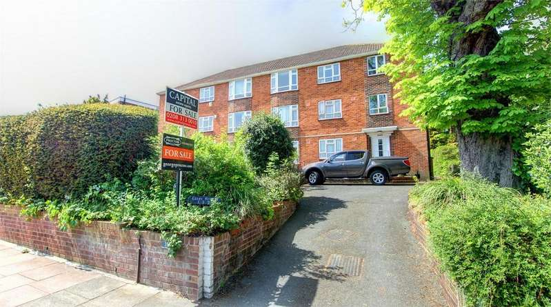 3 Bedrooms Flat for sale in Park Hill Road, Bromley, Kent