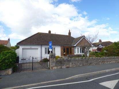 3 Bedrooms Bungalow for sale in Trafford Park, Penrhyn Bay, Llandudno, Conwy, LL30