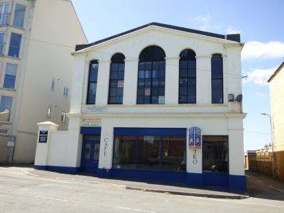 3 Bedrooms Hotel Commercial for sale in Cardiff Road, Pwllheli, Gwynedd, LL53