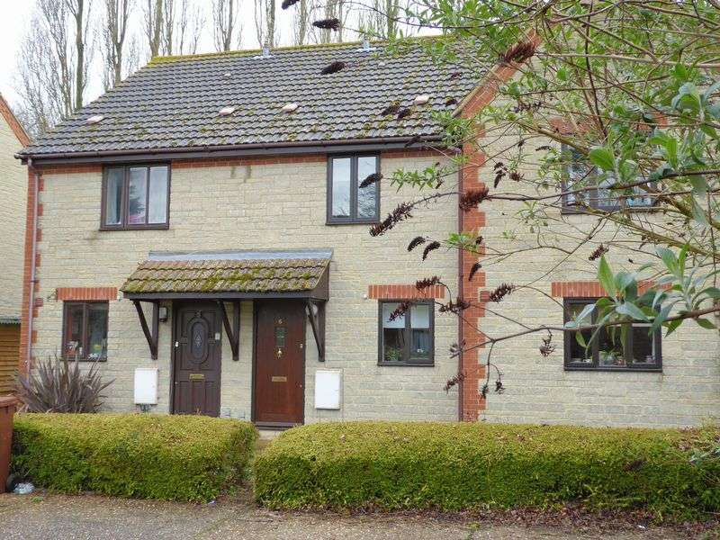 2 Bedrooms Property for sale in Forest Close, Launton