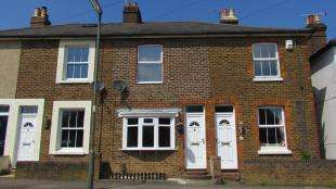 2 Bedrooms House for sale in Albert Road, Merstham, Redhill, Surrey