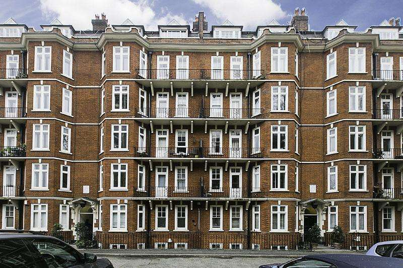 3 Bedrooms Flat for sale in Welbeck Court, Addison Bridge Place, London