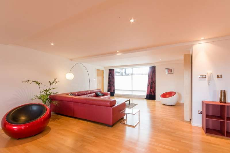 3 Bedrooms Flat for sale in Breadalbane Street, Edinburgh, EH6 5JJ