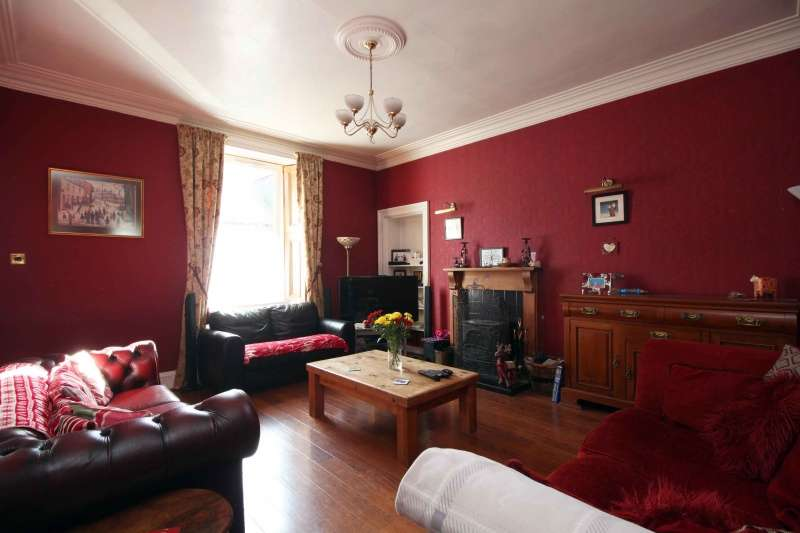 4 Bedrooms End Of Terrace House for sale in Keith Street, Kincardine, FK10 4ND