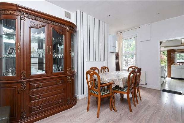 4 Bedrooms Semi Detached House for sale in Beech Road, LONDON, SW16