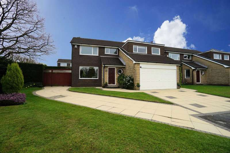 5 Bedrooms Detached House for sale in Whitestone Close, Lostock