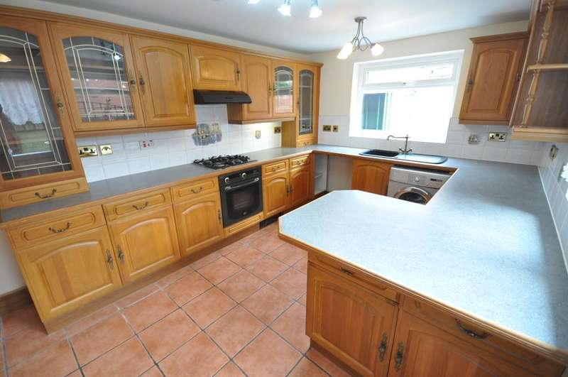 2 Bedrooms Terraced House for sale in Elmsley Street, Preston, Lancashire, PR1 7XE