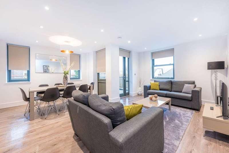 3 Bedrooms Flat for rent in Spring Grove, Kew Bridge, W4