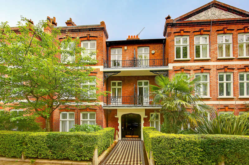 3 Bedrooms Flat for sale in Bishop Mansions, Bishops Park Road, Fulham, London