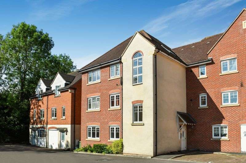 2 Bedrooms Property for sale in Staniland Court, Abingdon