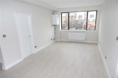 2 Bedrooms Flat for rent in Consort House