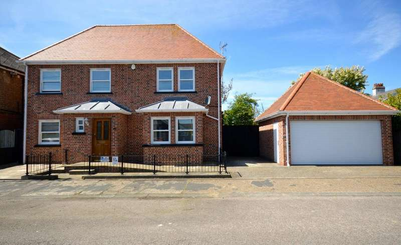 4 Bedrooms House for sale in 4 bedroom Detached House in Braintree