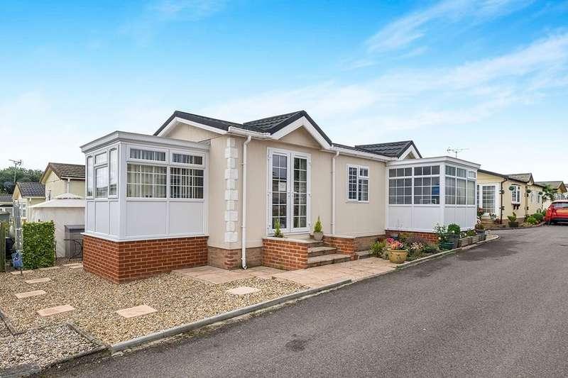 2 Bedrooms Detached Bungalow for sale in Garden Of England Park Forstal Lane, Harrietsham, Maidstone, ME17