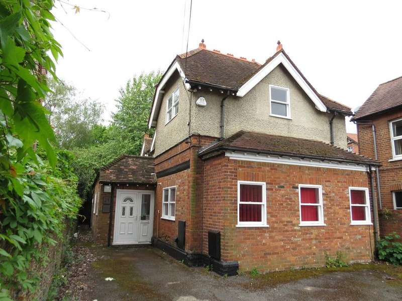3 Bedrooms Detached House for sale in Mill Road, Marlow