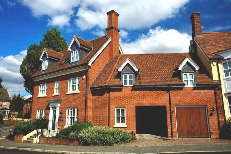 6 Bedrooms Detached House for sale in Elizabeth Lockhart Way, Braintree, Essex, CM7
