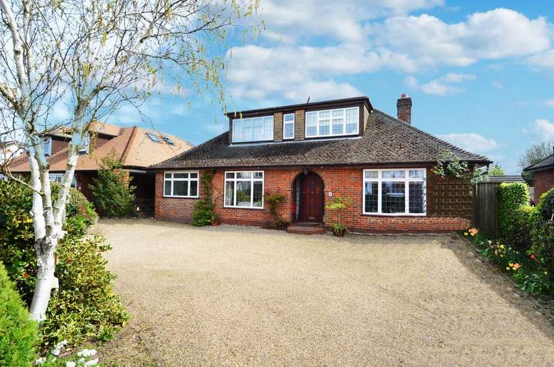 4 Bedrooms Detached Bungalow for sale in Swains Lane, Flackwell Heath, HP10