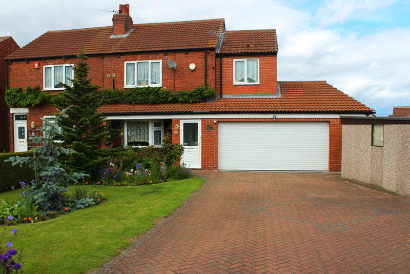 3 Bedrooms Semi Detached House for sale in Barff Lane, Brayton, Selby