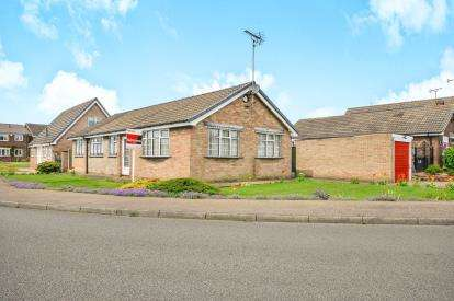 4 Bedrooms Bungalow for sale in Pavillion Gardens, New Houghton, Derbyshire, England