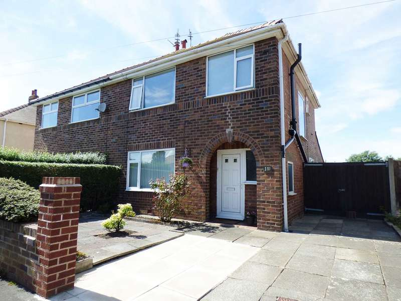 3 Bedrooms Semi Detached House for sale in Ribchester Road, Lytham.