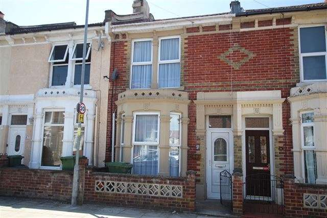 3 Bedrooms Terraced House for sale in Wallace Road, Copnor, Portsmouth, Hampshire, PO2 7JZ