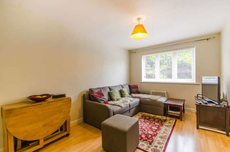 1 Bedroom Flat for sale in Samuel Close, New Cross, SE14