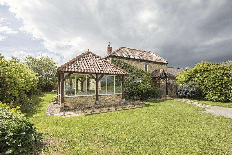 5 Bedrooms Detached House for sale in Hetton Le Hill Farm, Houghton Le Spring
