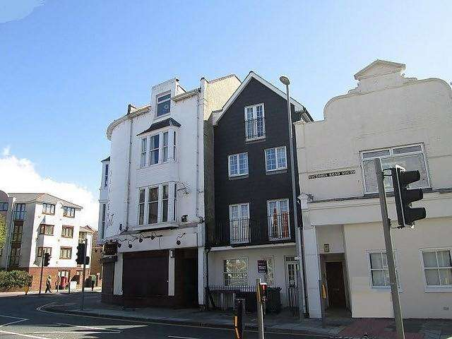 2 Bedrooms Flat for sale in Victoria Road South, Southsea, PO5