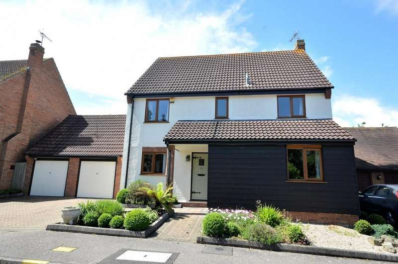 4 Bedrooms Detached House for sale in Cornwallis Drive, South Woodham Ferrers, Chelmsford, Essex, CM3