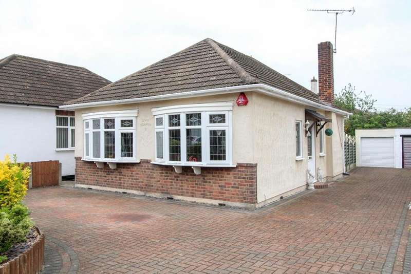 2 Bedrooms Detached Bungalow for sale in The Grove, Brentwood, Essex, CM14