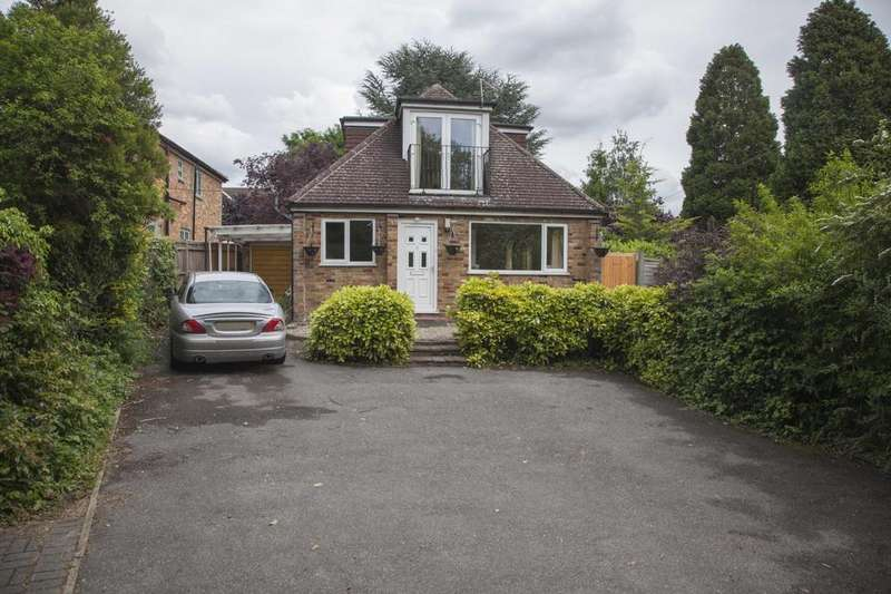 4 Bedrooms Detached House for sale in Le Vallon Seymour Court Road