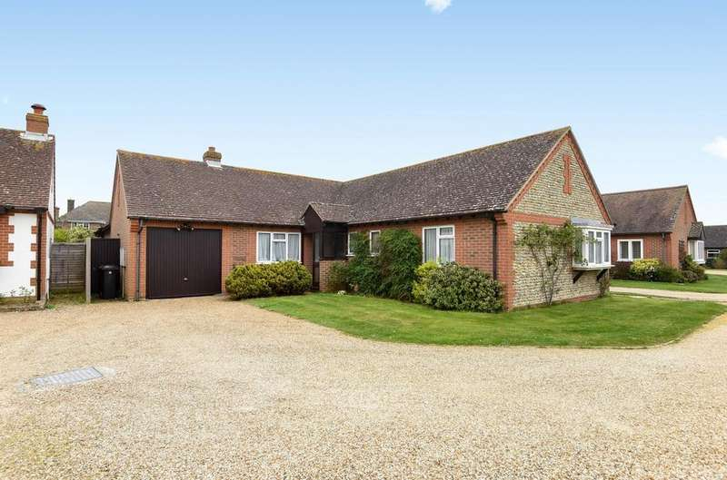 3 Bedrooms Detached Bungalow for sale in Holmwood Close, West Wittering, PO20