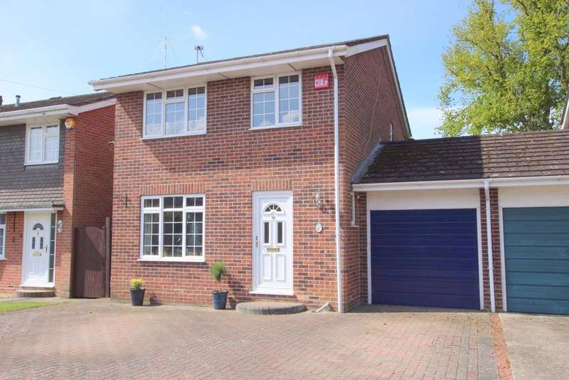 3 Bedrooms Detached House for sale in Denmead