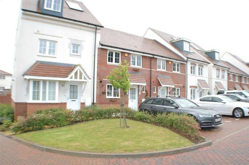 3 Bedrooms Terraced House for sale in Stoney Fields, Watton At Stone, HERTFORD