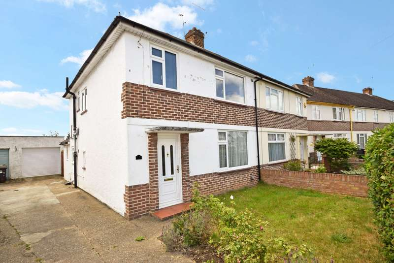 3 Bedrooms Semi Detached House for sale in Windermere Way, Slough, SL1