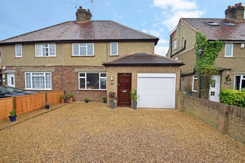 4 Bedrooms Semi Detached House for sale in Wendover Road, Burnham, SL1
