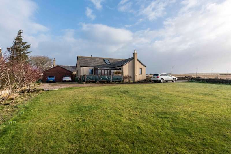 3 Bedrooms Bungalow for sale in , Dunnet, Caithness, Highland, KW14 8XD