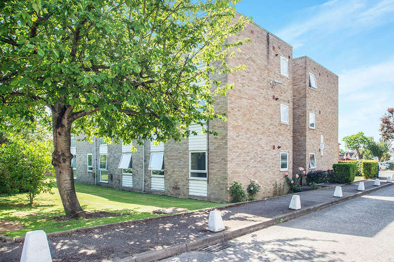 2 Bedrooms Flat for sale in Lambourn Grove, Kingston Upon Thames, KT1