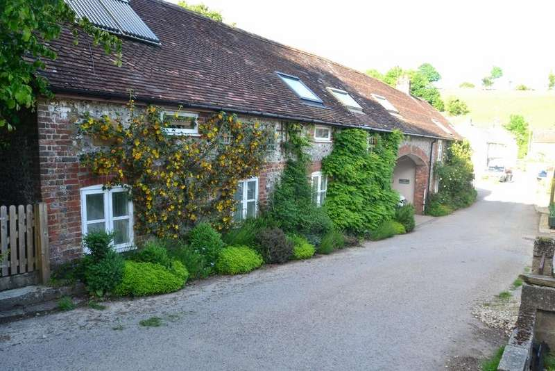 4 Bedrooms Semi Detached House for sale in Piddletrenthide