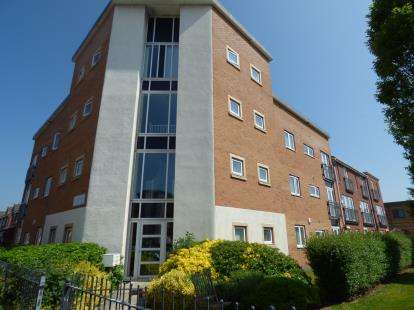 3 Bedrooms Flat for sale in Addenbrooke Drive, Speke, Liverpool, Merseyside, L24