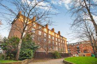 2 Bedrooms Flat for sale in Ascalon House, Thessaly Road, London