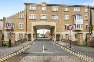 1 Bedroom Flat for sale in East India Way, Croydon, .