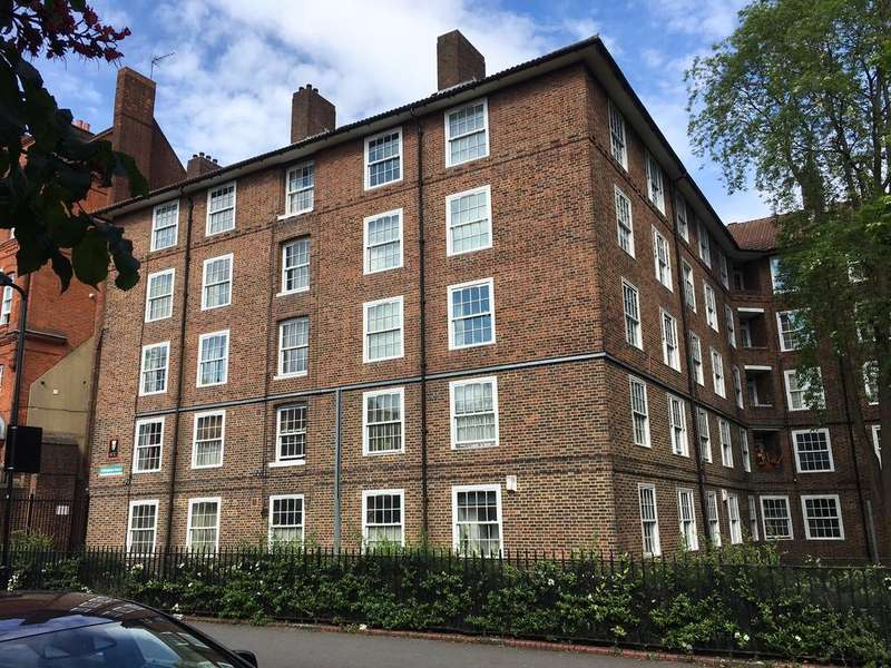 2 Bedrooms Flat for sale in Follingham Court, Drysdale Place, London