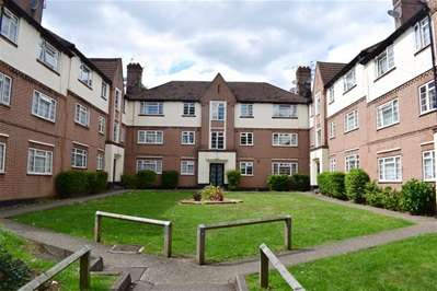 2 Bedrooms Flat for sale in College Road, Harrow Weald
