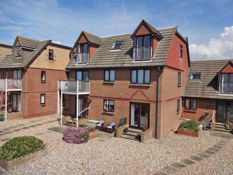 2 Bedrooms Retirement Property for sale in Elmer Beach Front, West Sussex